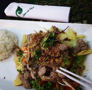 Chee is thai Salade thai au boeuf Chee is Thaï