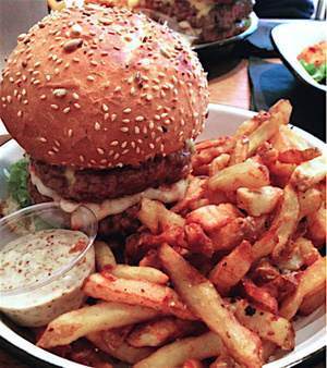 Guy  Sons burger frites Guy & Sons
