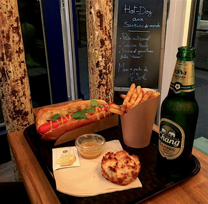 Hot Globe hot dog 1 Hot Globe