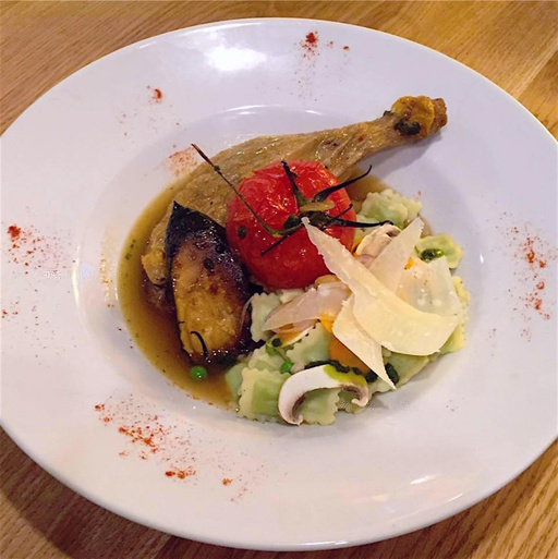 .selection L assiette sur la place poulet ravioles~imageoptim L'assiette sur la place