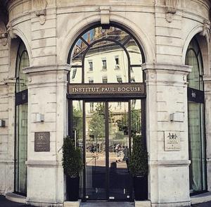 L Institut  restaurant ecole Paul Bocuse exterieur1 L'Institut - restaurant école Paul Bocuse