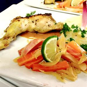L Oenotheque de Lyon poulet citron puree poelee carottes L'Oenotheque de Lyon