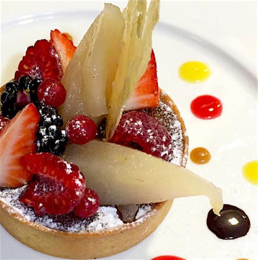 .Le 33 Cite dessert fruits rouges~imageoptim Le 33 Cité