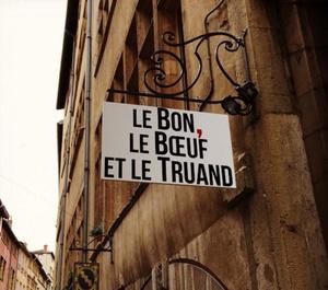 Le Bon le Boeuf et le Truand exterieur Le Bon, le Boeuf et le Truand