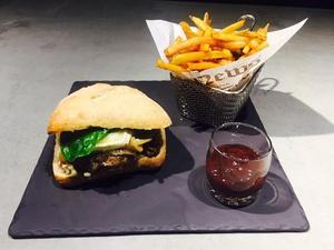 Le Comptoir Carnot burger Le Comptoir Carnot