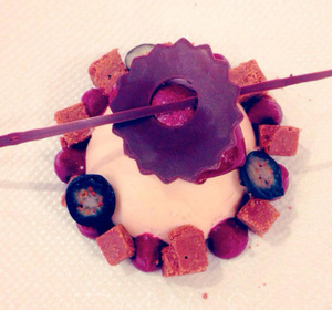 Le Gourmet de Seze Mousse chocolat blanc au cassis Le Gourmet de Sèze