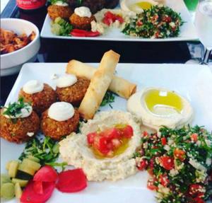 Le Roi Falafel assiette vegetarienne Le Roi Falafel