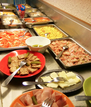 Le Traditionnel buffet entrees1 Le Traditionnel