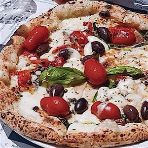 Pizzeria Napoli Chez Nicolo et Franco pizza1 Pizzeria Napoli, Chez Nicolo et Franco