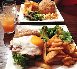 Rem s burgers Rem's