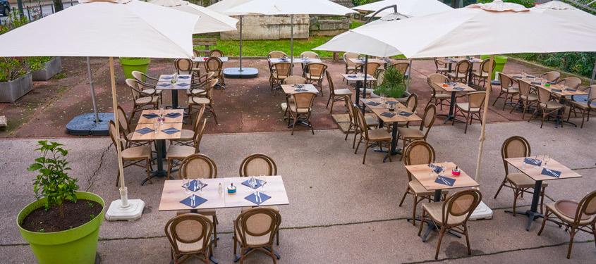 Terrasse du restaurant La petite Auberge à Lyon