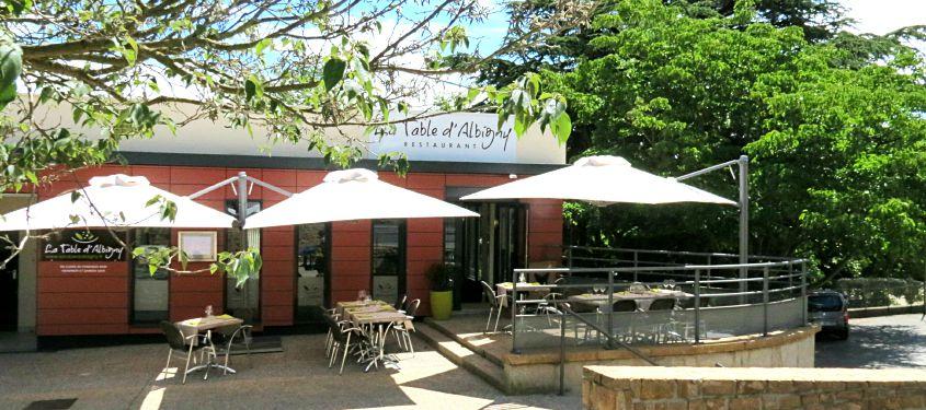 Terrasse du restaurant La table d'Albigny à Albigny-sur-Saône
