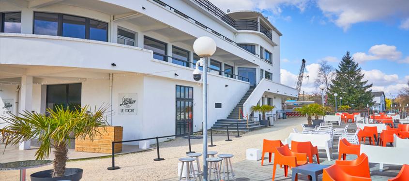 Terrasse du restaurant Le Yacht - Bpm Lounge à Saint-Germain-Au-Mont-D'Or