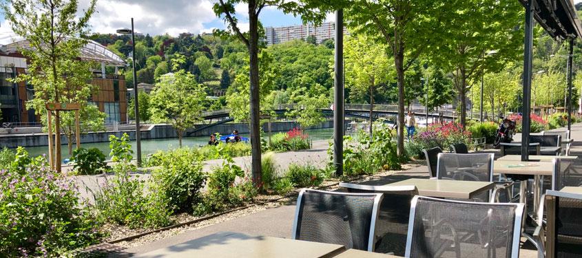 Terrasse du restaurant Les Docks Confluence à Lyon