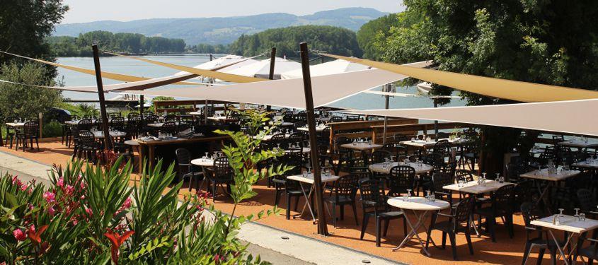 Terrasse du restaurant Les Petites Voiles à Parcieux