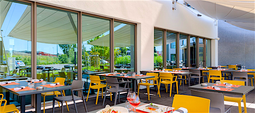 Terrasse du restaurant Terminal 50 à Genas